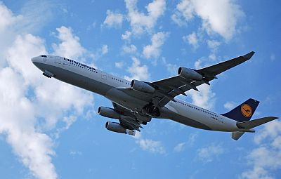 Lufthansa A340 by David M. Vanderhoof