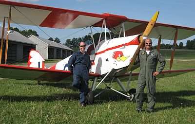 de Havilland DH82 Tiger Moth (David White on right)
