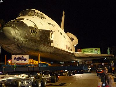 Moving the Endeavour from LAX to the Science Center.