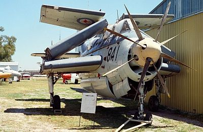 Fairey-Gannet-AS.4-XG789-CKopp-1989-2S_400