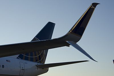 United 737-800 with the split scimitar winglet