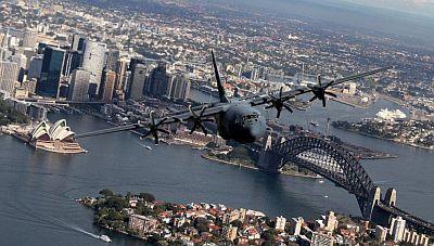 RAAF C-130J over Sydney_400