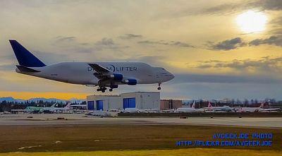Boeing Dreamlifter by AvGeekJoe