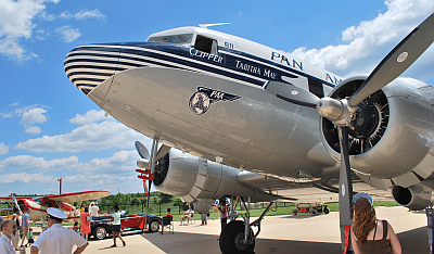 1941 ex-Pan American World Airways DC-3 (NC33611)