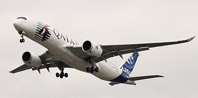 Airbus Test and Evaluation Aircraft A350 on final approach - Copyright XTPMedia
