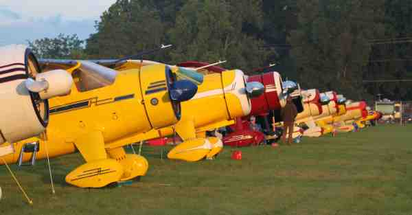 A row of Howard DGAs at Airventure Oshkosh 2014