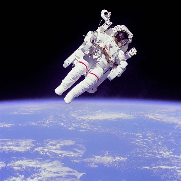 Bruce McCandless, EVA - STS-41. NASA photo.