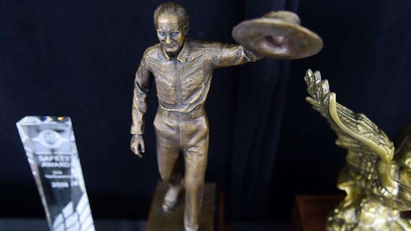 Bob Hoover Award